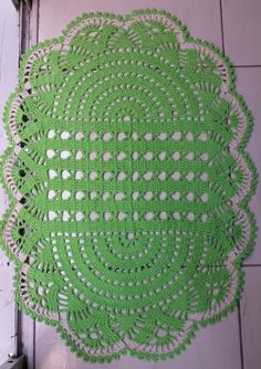 Thread Crochet, Diy Crochet, Oval Rugs, Crochet Dollies, Easter Table Decorations, Doilies, Stuff To Do, Crochet Patterns, Bows