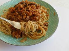 spaghetti bolognaise véganes ma conscience écolo Menu Vegan, Vegan Recipes, Cooking Recipes, Spaghetti Bolognaise, Conscience, Food And Drink, Veggies, Nutrition, Eat