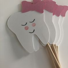 Tooth cupcake picks If you chose the face option, faces are hand drawn so they may slightly differ from one another ITEM DESCRIPTION Tooth Fairy Receipt, Diy For Kids, Crafts For Kids, Tooth Cake, Playdough Activities, Dental Art, Paper Crafts Origami, First Tooth, Hygiene