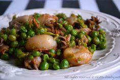 Le seppie e piselli sono un secondo di pesce accompagnato da un leggero contorno. Leggi la ricetta e gli ingredienti per prepararlo con il Bimby.