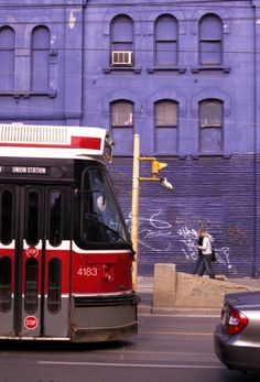 Our latest blog post-My Favourite City: Toronto http://is.gd/UfO0Lg @metromarks