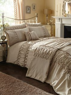 Jeana Duvet Cover and Pillowcase Set - for gold room
