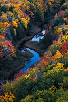 Fall colors in Michigan - Moonrise over the Carp River, Michigan All Nature, Amazing Nature, Mother Earth, Mother Nature, Beautiful World, Beautiful Places, Beautiful Scenery, Beautiful Beautiful, Beautiful Pictures