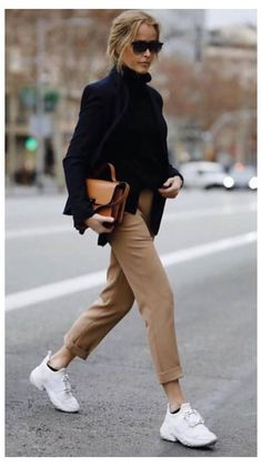 summer outfits women 20s young professional casual chic