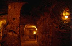 Spooky snaps show an incredible underground city that runs 18 storeys deep in Turkey – and a local only discovered it when he knocked down a wall in his house - Alien UFO Sightings Ancient Egyptian Art, Ancient Aliens, Ancient Greece, European History, American History, Sands Of Iwo Jima, Underground Caves, Star Chart, Ufo Sighting