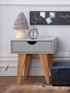 Super Cool Modern Nightstands For Kids to Keep in Mind ➤ Discover the season's newest designs and inspirations for your kids. Visit us at kidsbedroomideas.eu #KidsBedroomIdeas #KidsBedrooms #KidsBedroomDesigns @KidsBedroomBlog