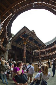 Shakespear Globe Theatre ~ South Bank, London, England (LW17-1)