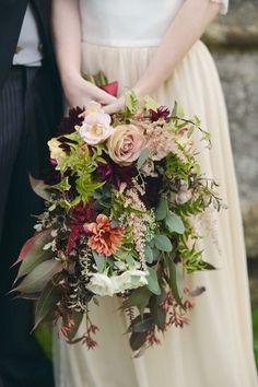 delightful fall wedding bouquets
