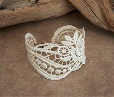 lace cuff thanks to fabric stiffener