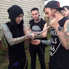Oh my god, guy's. Are you really skinning that snake? *Hide's behind Josh* GUY'S STHAP. STHAPPPPP.