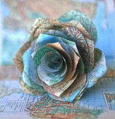Rose aus Weltkarte gefaltet