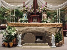 The empty tomb and burial cloths - He is truly risen! Description from fatherjulian.blogspot.com. I searched for this on bing.com/images