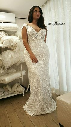 Perfect mermaid look for a curvy bride with curvy model @yardenhay