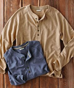 Upgrade your casual wear with jackets, shirts, sweaters, shoes & more that are effortlessly cool & always comfortable. Discover our collection featuring cotton and premium leather, rich textures & beautiful details for men & women. Teen Boy Fashion, Mens Fashion Blog, Men's Fashion, Winter Fashion, Henley Shirts, Polo T Shirts, Traje Casual, Moda Casual, Hunting Clothes