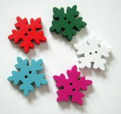 20 Christmas Snowflake Wood Buttons, Sewing, Crafts