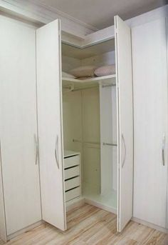 Trendy Corner Closet Design Doors Source by asarhadon designs Corner Wardrobe, Corner Closet, Wardrobe Design Bedroom, Bedroom Wardrobe, Wardrobe Closet, Home Bedroom, Bedrooms, Closet Drawers, Closet Storage