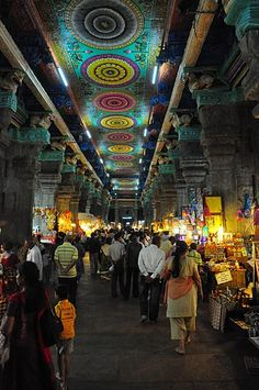 Great photo of the Sri Meenakshi Temple, Madurai, South India - by Lorenzo Onorati