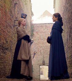 queen Elizabeth Woodville and Margaret Beaufort madre de Enrique Tudor Prometió casar a su hija mayor Isabel (Futura madre de Enrique VIII) con el pretendiente de la familia, Enrique Tudor (futuro Enrique VII), si él podía derrotar y deponer a Ricardo.