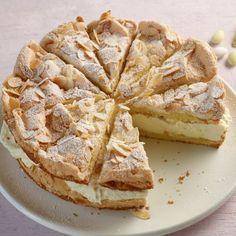 Zitronen-Sahne-Torte Lemon Meringue Cheesecake, Cheesecake Recipes, Recipe For 10, Lemon Cream Cake, Tart Filling, Single Serve Desserts, Mousse Cake, Lemon Recipes, Baking Tips