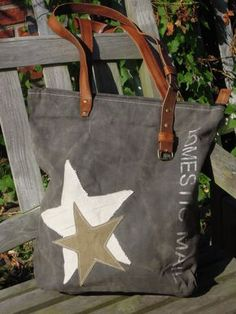 Vintage Canvas Bag – Einkaufstasche 2 Starss - DIY Gifts For Home Ideen Sacs Tote Bags, Diy Tote Bag, Tote Purse, Diy Bag With Pockets, My Bags, Purses And Bags, Diy Sac, Vintage Canvas, Vintage Bags