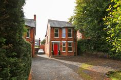 547 Upper Newtownards Road, £225,000