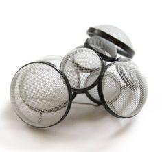 Thanh-Truc Nguyen - Brooch. Silver oxid, steel, lacque