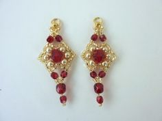 DIY Jewelry: Free beading pattern for stunning red and gold earrings made from 11/0 seed beads, crystals and pearls.