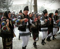 FolkCostume&Embroidery: Overview of the Folk Costumes of Europe, Moldavia