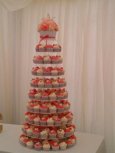 I like the idea of having cupcakes as opposed to having one expensive cake