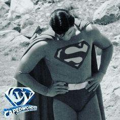 Happy weekend Superman Photos, Superman Movies, Christopher Reeve Movies, Warner Studios, Happy Weekend, Justice League, Leotards, Superhero, Man Of Steel