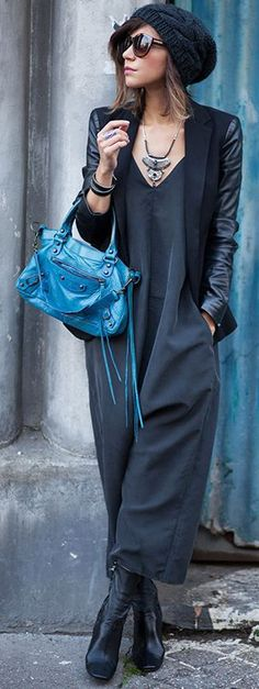 Les Babioles De Zoe Black, Dark Gray And Pop Of Blue Fall Street Style Inspo