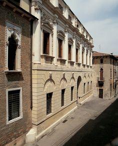 Scheda opera :: Palladio Museum Temple Architecture, Classical Architecture, Historical Architecture, Padua Italy, Andrea Palladio, Villas In Italy, Opera, Real Estate, Mansions