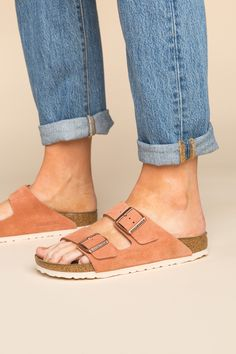 Birkenstock Style, Birkenstock Arizona, Cute Shoes, Me Too Shoes, Minimal Outfit, Blue Peach, Warm Weather Outfits, Kinds Of Clothes, Light Denim