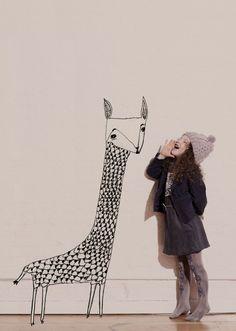 La Petite Fille qui parlait à l'Oreille des Girafes par Katy Smail.