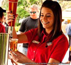 O evento SeaWorld BBQ and Brews é realizado no SeaWorld San Diego e conta com várias apresentações musicais e muitas opções provenientes de cervejarias artesanais, tanto nacionais como estrangeiras; e muito churrasco. #SeaWorldBBQandBrews #SeaWorldSanDiego Sea World, San Diego, Brewing, Bbq, California, Barbecue, Musica, Barrel Smoker