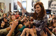 A la educación deben tener acceso todos. Por eso el Estado tiene que estar presente y dar respuestas -- http://www.cfkargentina.com/cristina-kirchner-anunciamos-obligatoriedad-de-la-escolaridad-a-partir-de-los-4-anos-y-el-interconectado-para-la-costa-atlantica/