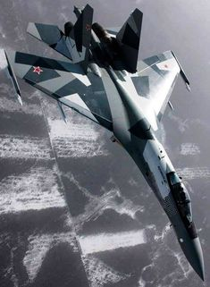 This is Latest Fighter Jet from U. It speed is 1600 Miles Per Plus too! Cr using too! Sukhoi Su 35, Russian Fighter Jets, Russian Military Aircraft, Bomber Plane, Russian Air Force, Air Fighter, Naval, Jet Engine, Military Jets