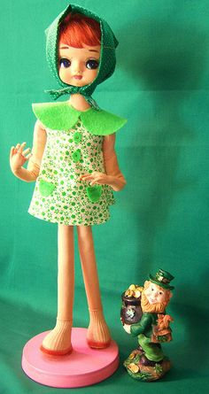 green green pose doll