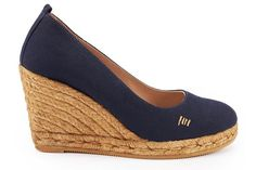Elegant yet oh-so comfortable, the Marquesaespadrille wedge pump is designed in Barcelona with Mediterranean soul. Woven with100% natural jute fibers, our Marquesa'sare handcraftedby Spanish artisans. Marquesa's will be your go anywhere shoe with it'schic design (Kate Middleton's favorite style), soft leather innersole cushion for extra comfort,3.25-inch wedge heel for easy walking, and leather lined canvas upper. Plus, Viscatais committed to sustainability: for every ...