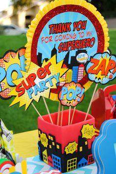 SUPER héroe partido  paisaje urbano centro de mesa  Super