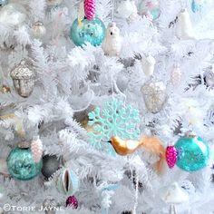 A vintage affair Christmas tree by Torie Jayne Modern Christmas, Blue Christmas, Christmas 2016, Vintage Christmas, Christmas Crafts, Xmas, Duck Egg Blue Green, Aqua, Turquoise