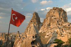 Uçhisar Castle, Cappadocia's highest point. Turkey (Nevşehir, Türkiye)