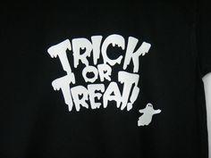 Unisex Youth Kids Halloween Shirt Medium Glow in the Dark Trick or Treat design #FruitoftheLoom #Holiday