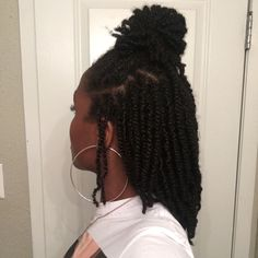 to when my starters locs were weeks old and before my first wash. I loooved them 🖤. My twists are budding at the… Protective Hairstyles For Natural Hair, Natural Hair Twists, Natural Twist Hairstyles, Dreadlock Hairstyles, Girl Hairstyles, Night Hairstyles, Weave Hairstyles, Beautiful Dreadlocks, Pretty Dreads
