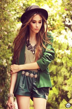 FashionCoolture 20/12/2012 green blazer SheInside vintage bag hat Asos high heels maxi necklace Rafaela Andrade (2)