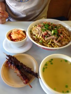 Where can you get good inexpensive food in maui?