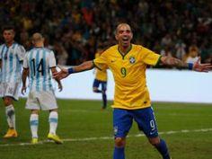 Brazil beat Argentina 2 - 0 | Daily Headlines News Headline News, Sports News, Beats, Brazil, Soccer, Buenos Aires Argentina, October, Football, Futbol