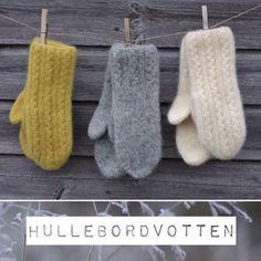 Hullebordvotten - Lilly is Love Knitted Mittens Pattern, Knit Mittens, Knitting Socks, Mitten Gloves, Hand Knitting, Knitting Designs, Knitting Projects, Crochet Projects, Knitting Patterns