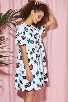 Summer16 is HERE! High Collar Smock White Shapes Print http://www.thewhitepepper.com/collections/dresses/products/high-collar-smock-white-shapes-print