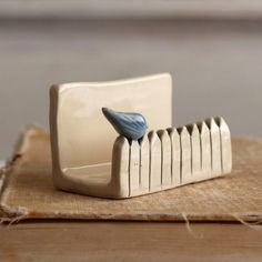 Little bird on a white picket fence – ceramic business card holder – blue bird – made to order – POTTERY Hand Built Pottery, Slab Pottery, Ceramic Pottery, Pottery Art, Thrown Pottery, Stoneware Clay, Ceramic Bowls, Ceramic Art, Ceramic Mugs